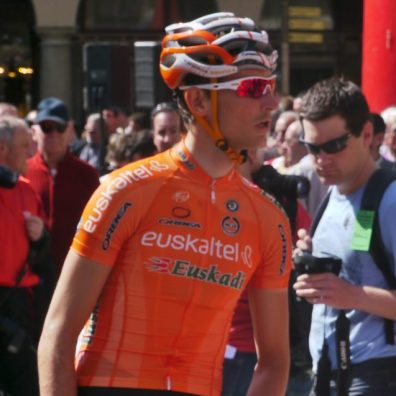 Sign-on at GP Miguel Indurain