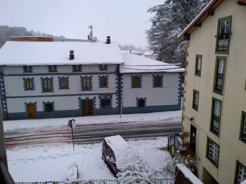 Weather at last year's Vuelta al Pais Vasco