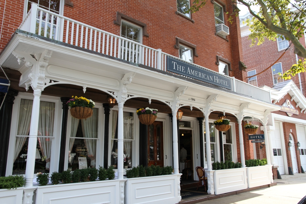 Old Colonial style Hotel in Sag Harbor