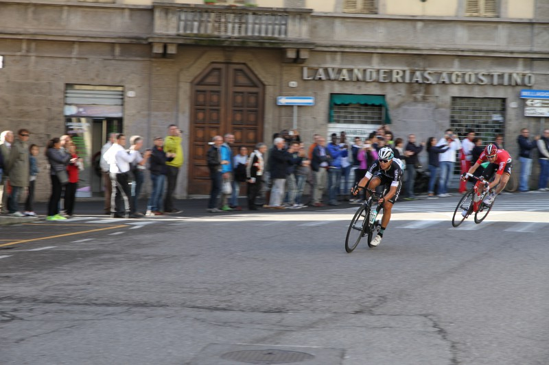 Kwiatkowski and Wellens lead first pass through Como