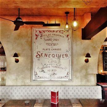 Senequier Inside