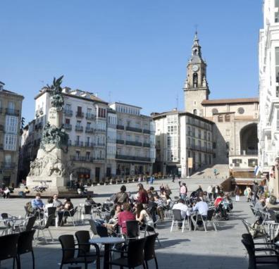 plaza-de-la-virgen-blanca-1