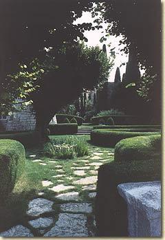 gourdon garden 2